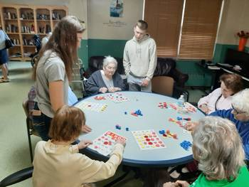 High School teens visit residents at Winchester House