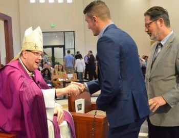 """Locals Make the """"Courageous Decision"""" to Become Catholic"""