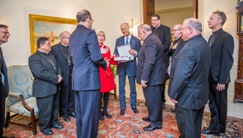 Bishops of Florida Meet with Governor and First Lady