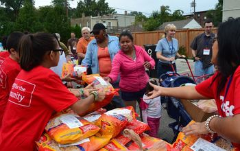 Volunteer at Our Lady of the Angels Mobile Food Pantry