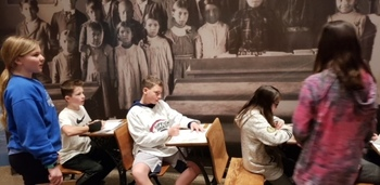 6th graders enjoy the Minnesota History Center