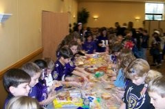 Bodkin Elem. students make sandwiches