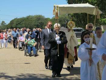 On Vocations Day, St. Ann Church Holds Eucharistic Procession