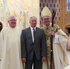 Wood receives diaconate candidacy