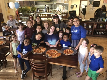 ST. JOHN PAUL II CATHOLIC SCHOOL PARTNERS WITH LOCAL RESTAURANT FOR A SPECIAL SPIRIT NIGHT