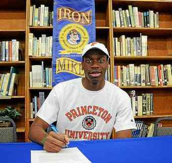 Trenton Catholic Academy's Richmond Aririguzoh commits to Princeton