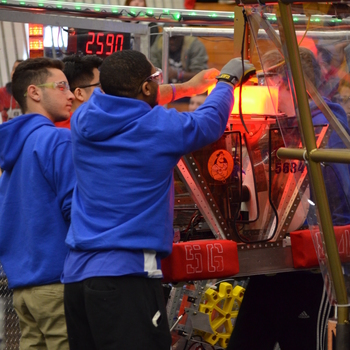 Iron Mechs advance to the quarterfinals in Robotics Competition