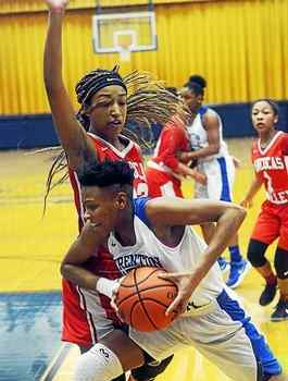 Trenton Catholic girls basketball remains undefeated with win over Rancocas Valley