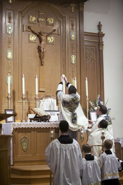 Mass in the Extraordinary Form Latin Mass - Diocese of Trenton ...