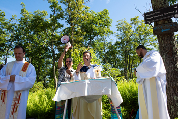 Bishop offers summer blessing; new pastors attend orientation, Diocese leads men's mountaintop Mass