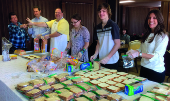 Lenten project feeds homeless