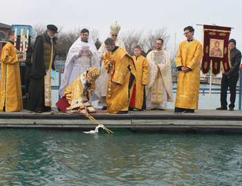 Blessing of Lake Michigan brings 'hope to all people,' says bishop