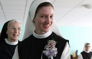 Sr Lily Makes First Profession