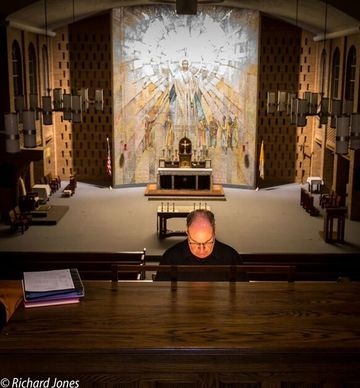 Diocesan Organist Glenn Schuster (photo by Richard Jones)