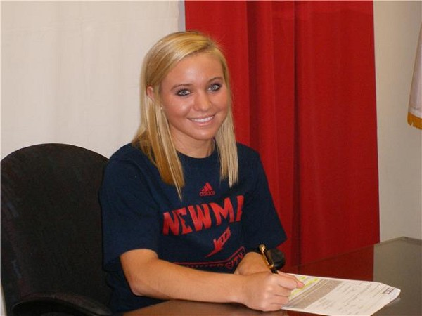 STEPHANIE DEKKERS SIGNS WITH NEWMAN UNIVERSITY!!