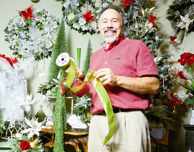 Decor Committee needs help removing Christmas decorations