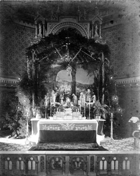 1930's - High Altar at Christmas