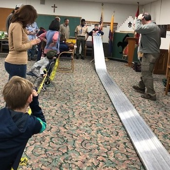 Pack 100 Hosts Pinewood Derby!