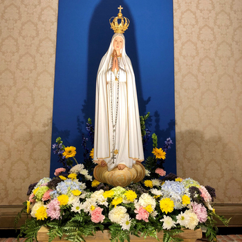 Visit of the Pilgrim Statue of  <div>   Our Lady of Fatima </div>