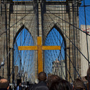 WAY OF THE CROSS OVER BROOKLYN BRIDGE / VIA CRUCIS SOBRE EL PUENTE DE BROOKLYN