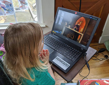 Tips to Help Kids Focus on Streamed Mass