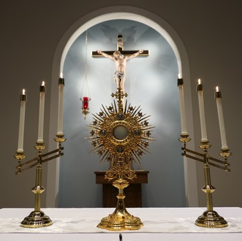 Eucharistic Adoration with Praise & Worship Music