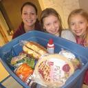 Carondelet Families Deliver Thanksgiving Meals to Waite House