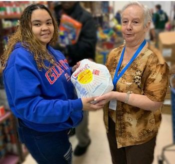 Catholic Charities helps on Thanksgiving