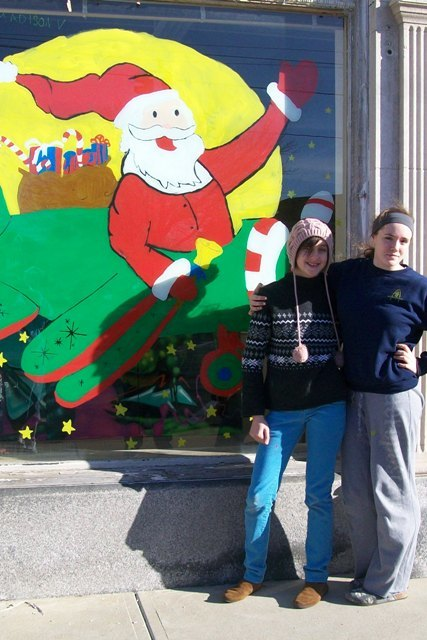 VASJ students brighten up the East 185th neighborhood for Christmas