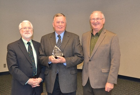 Viking alum and volunteer Chris McGrath '69 honored with 2014 Community Service Award