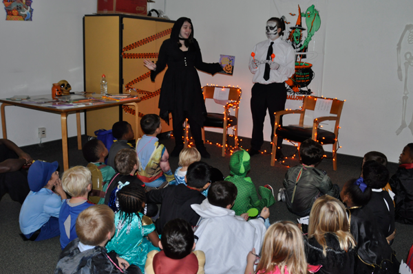 VASJ seniors host kindergarten and first-grade students for annual Halloween on Campus event