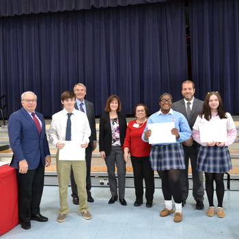 Over 200 VASJ students receive awards on Scholarship Day