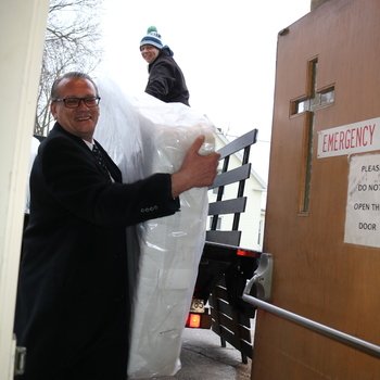 Bravehearts deliver bedding to Crozier House