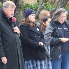 Bishop leads 40 Days for Life prayers