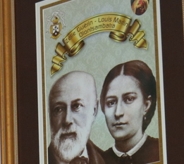 Madagascar bishop gives relic to St. Theresa's
