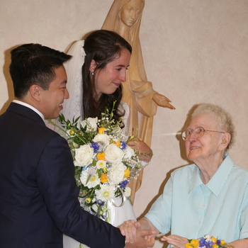 St. Mary's chapel hosts wedding