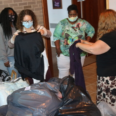 Catholic Charities accepts clothing donation