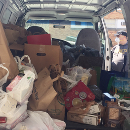 Knights donate van of food