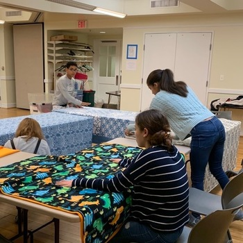 Blankets for Mothers in Need