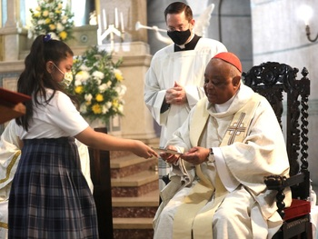 Cardinal Gregory says Sacred Heart School's diversity reflects unity that Holy Spirit seeks