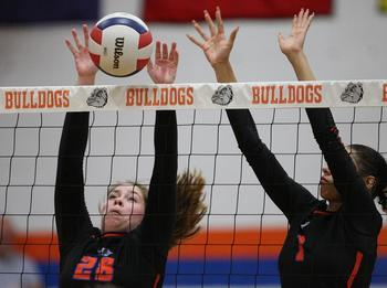 Volleyball Wins CIC Title