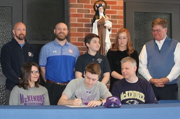 Cayden Brilley Signs to Play Hockey & Golf at McKendree!