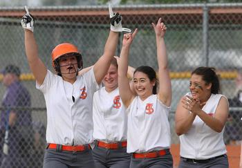 Softball Wins Regional Quarterfinal Game