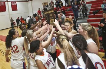 Girls Basketball Wins 3rd Straight Regional