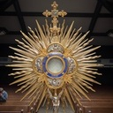 3 Things to Do During Eucharistic Adoration