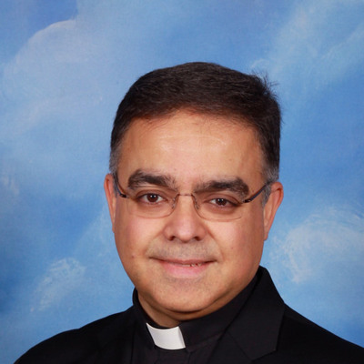 Padre James Cruz