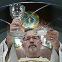 USCCB webpage answers questions about vote on Communion document