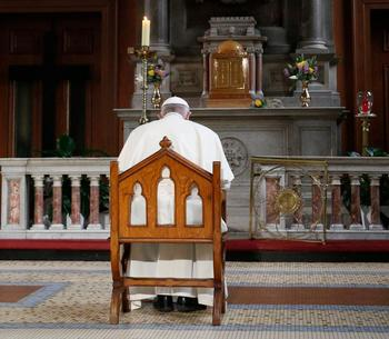 Pope issues new norms on mandatory abuse reporting, bishop accountability