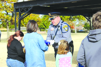 Catholic police chaplains bring faith to those in need