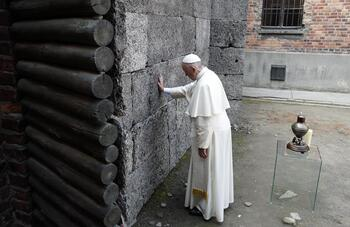 Pope: Failure to remember Holocaust will lead world down same path